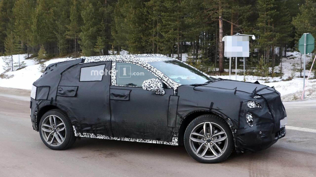 2019 Cadillac XT3 spy photo