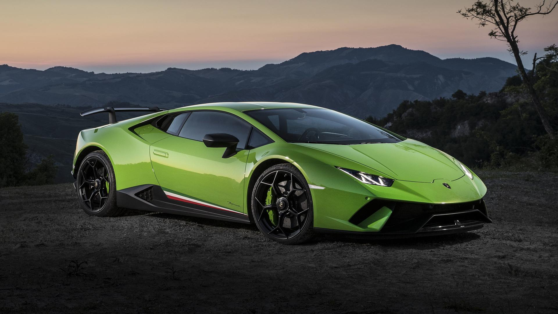 2017 Lamborghini Huracan Performante First Drive Record Breaking
