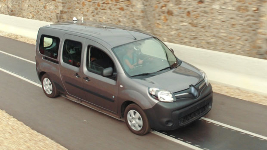Renault Kangoo Z.E. si ricarica in wireless