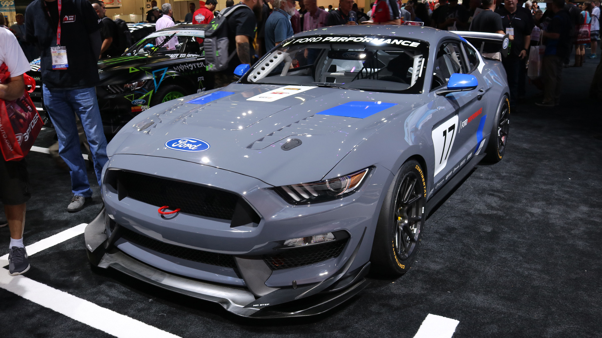 Video ford mustang gt4 at the 2016 sema show