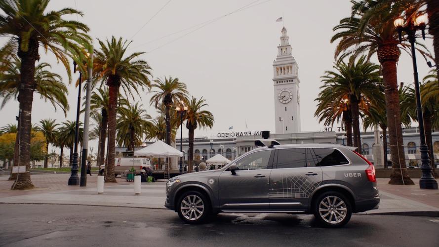 Guida autonoma, test senza guidatore in California. Forse