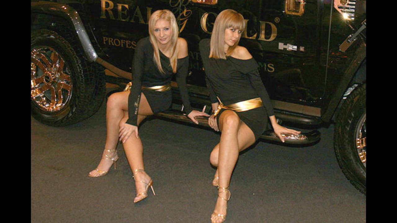 Das ist ja der Hummer! Die Girls mit dem goldenen Gürtel!