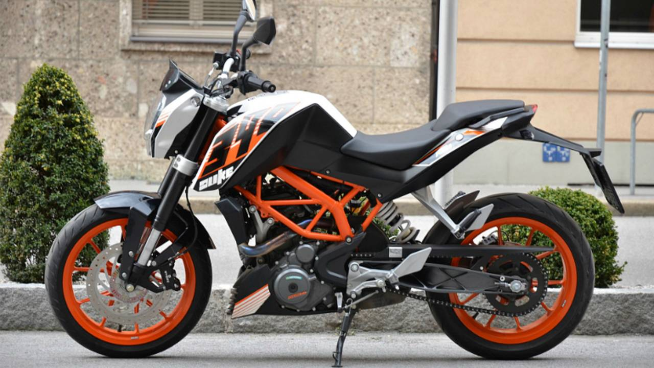Little Bike, Big Laughs - Riding the KTM 390 Duke