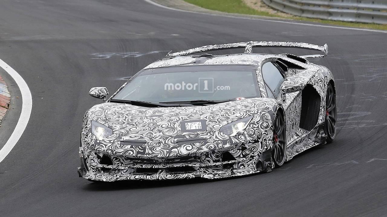 Lamborghini Aventador Superveloce Jota casus fotoğraflar