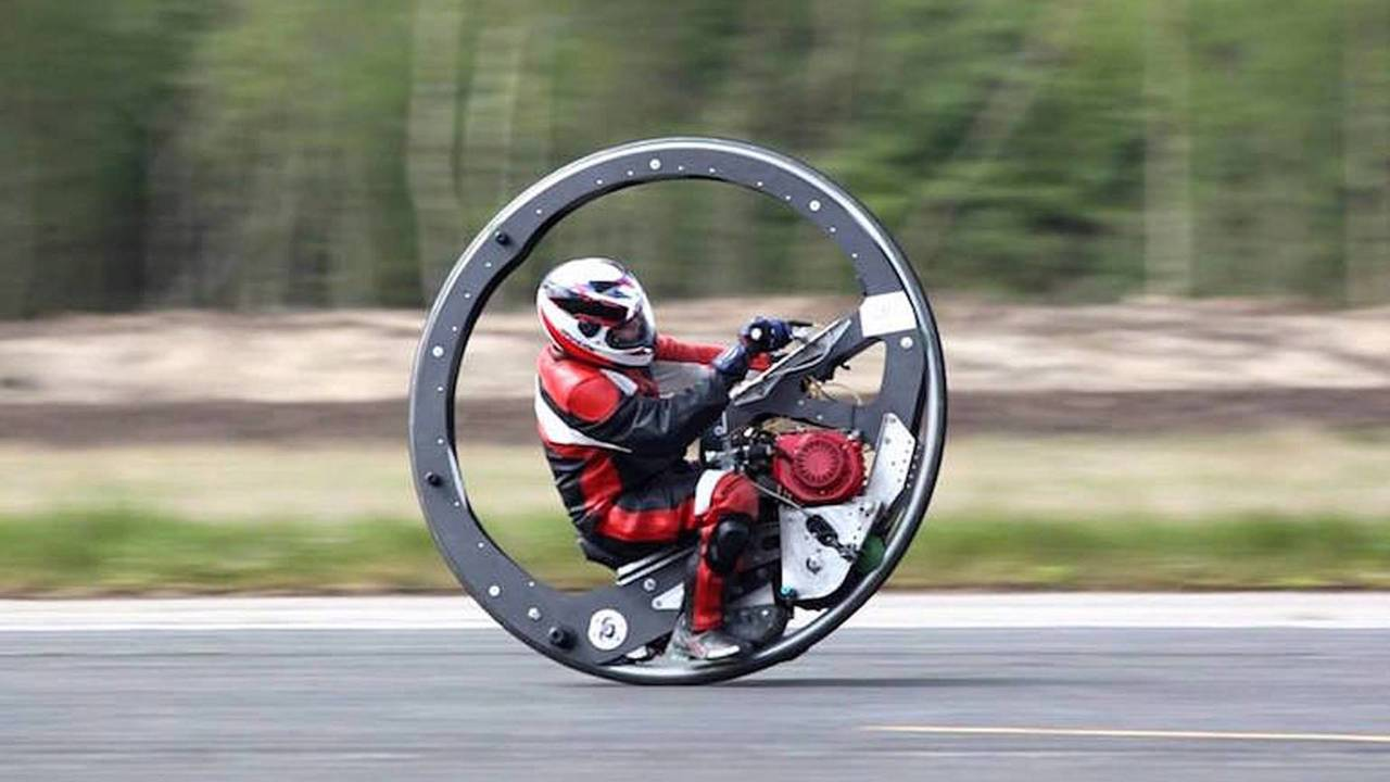 Englishman Sets Monowheel Speed Record