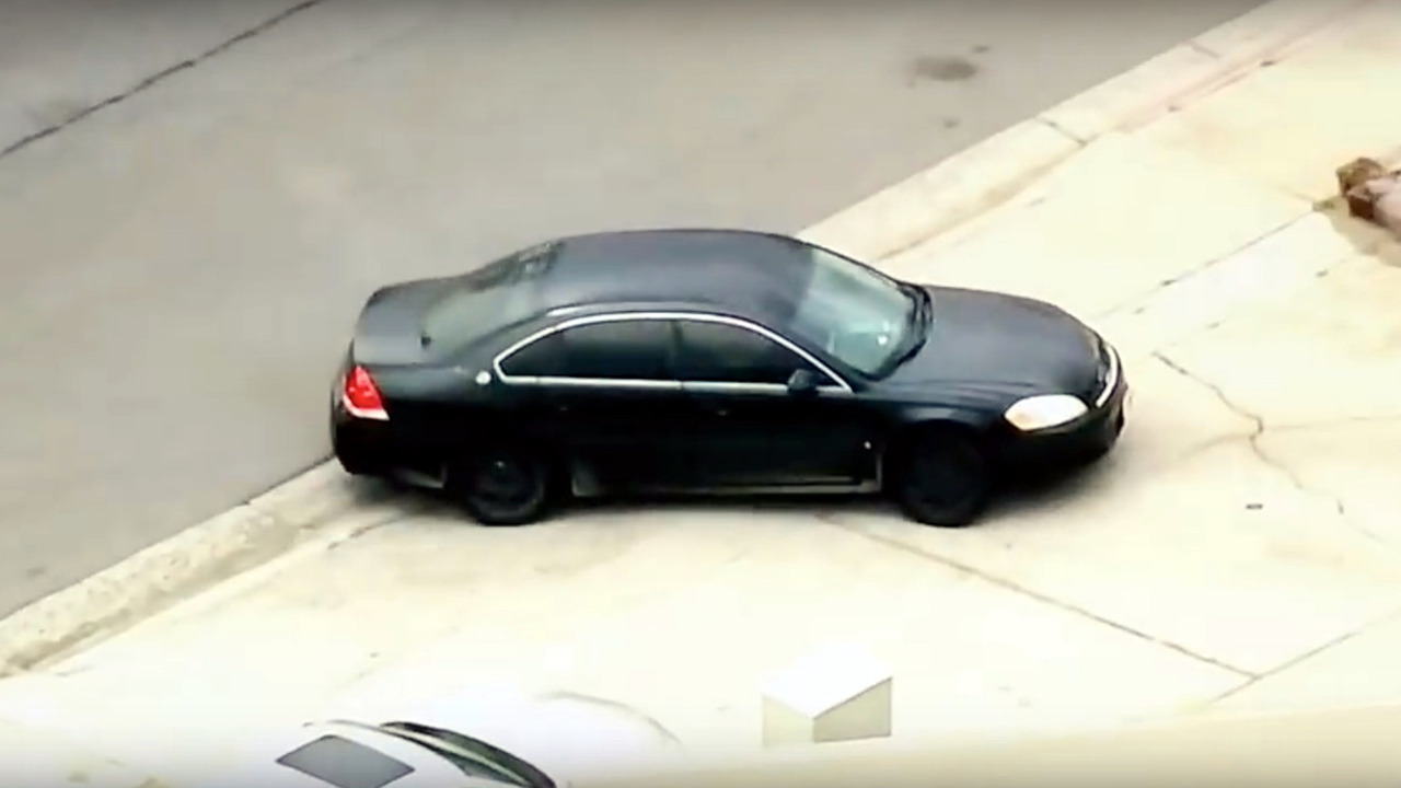 KTLA news crew films wrong car during police chase