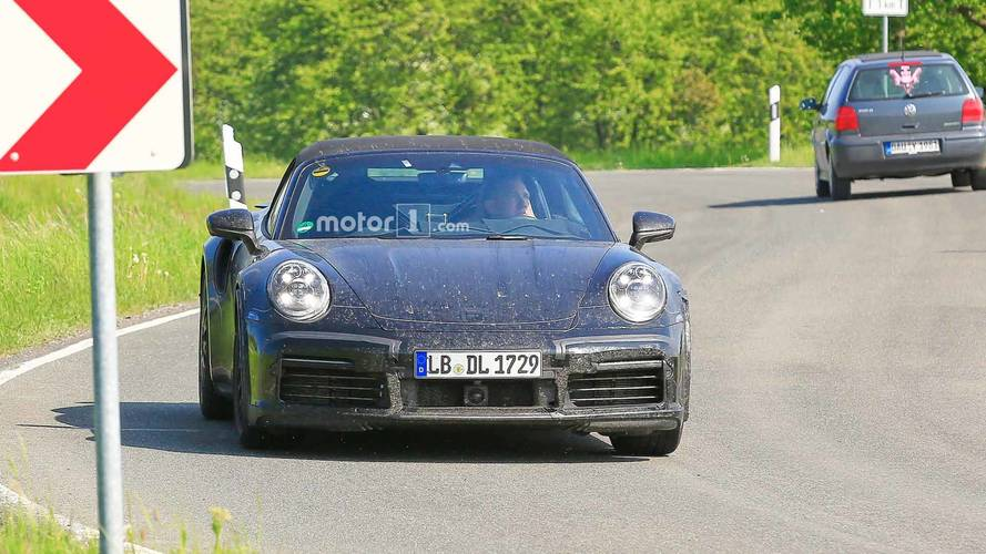 Porsche 911 Turbo Cabriolet Casus Fotoğraflar