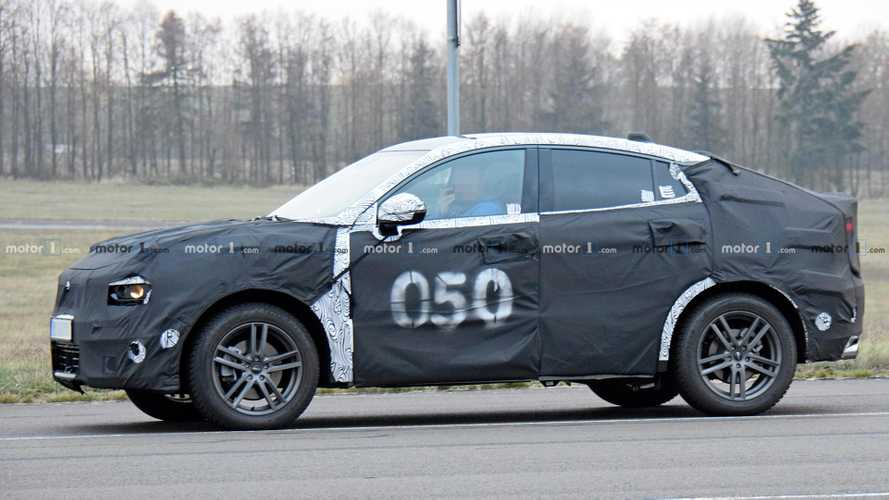 Lynk & Co Spied Testing Coupe-Like Tail For 01 Crossover