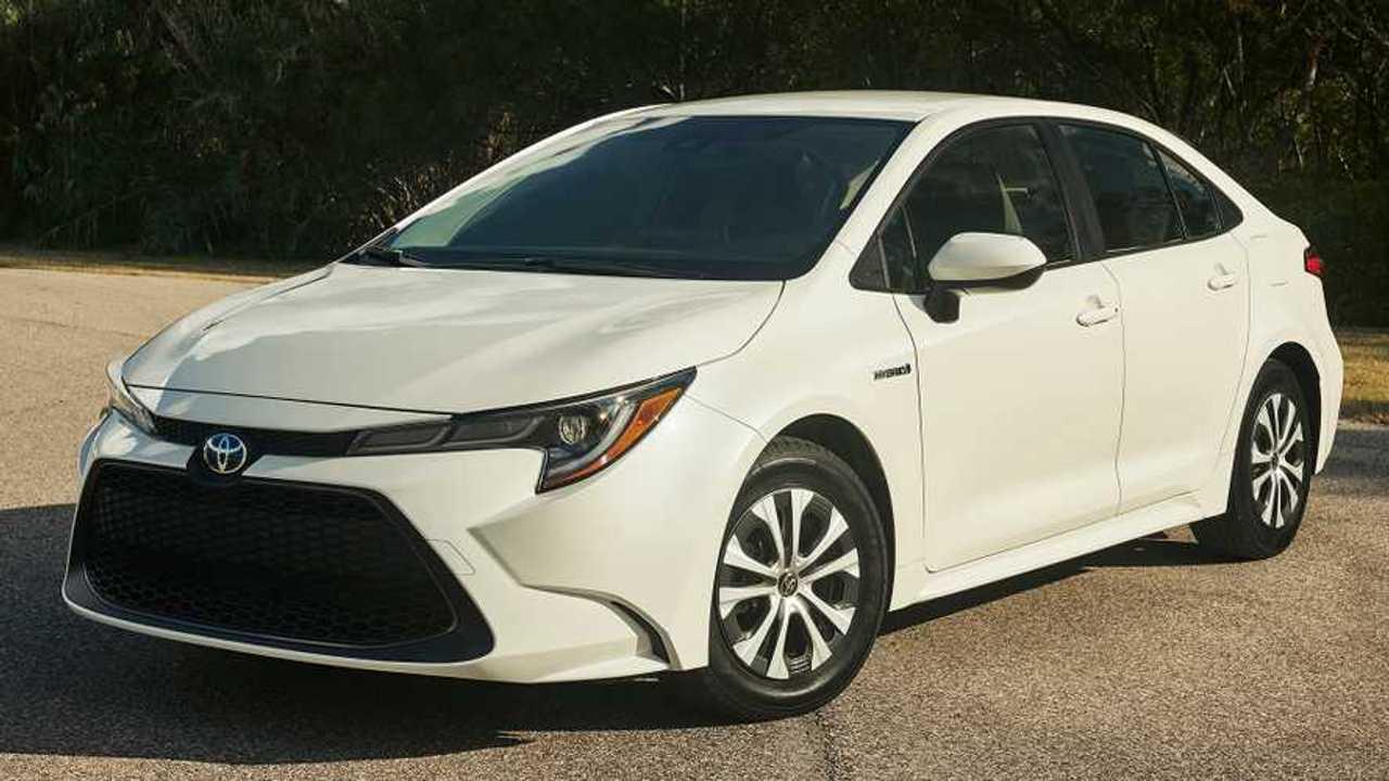 10. Toyota Corolla: 152,868 Units