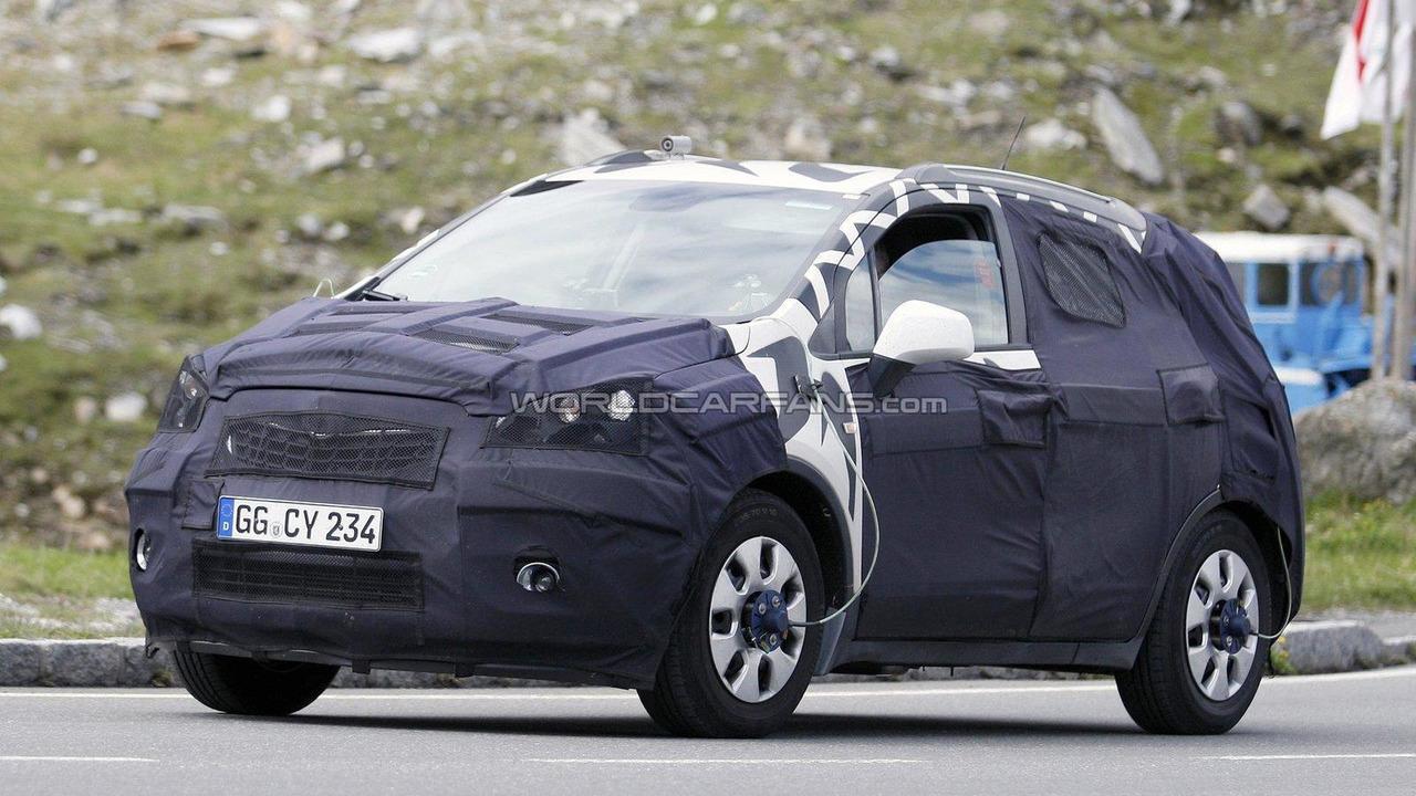 2012 Opel 'baby Antara' compact SUV spied 22.06.2011