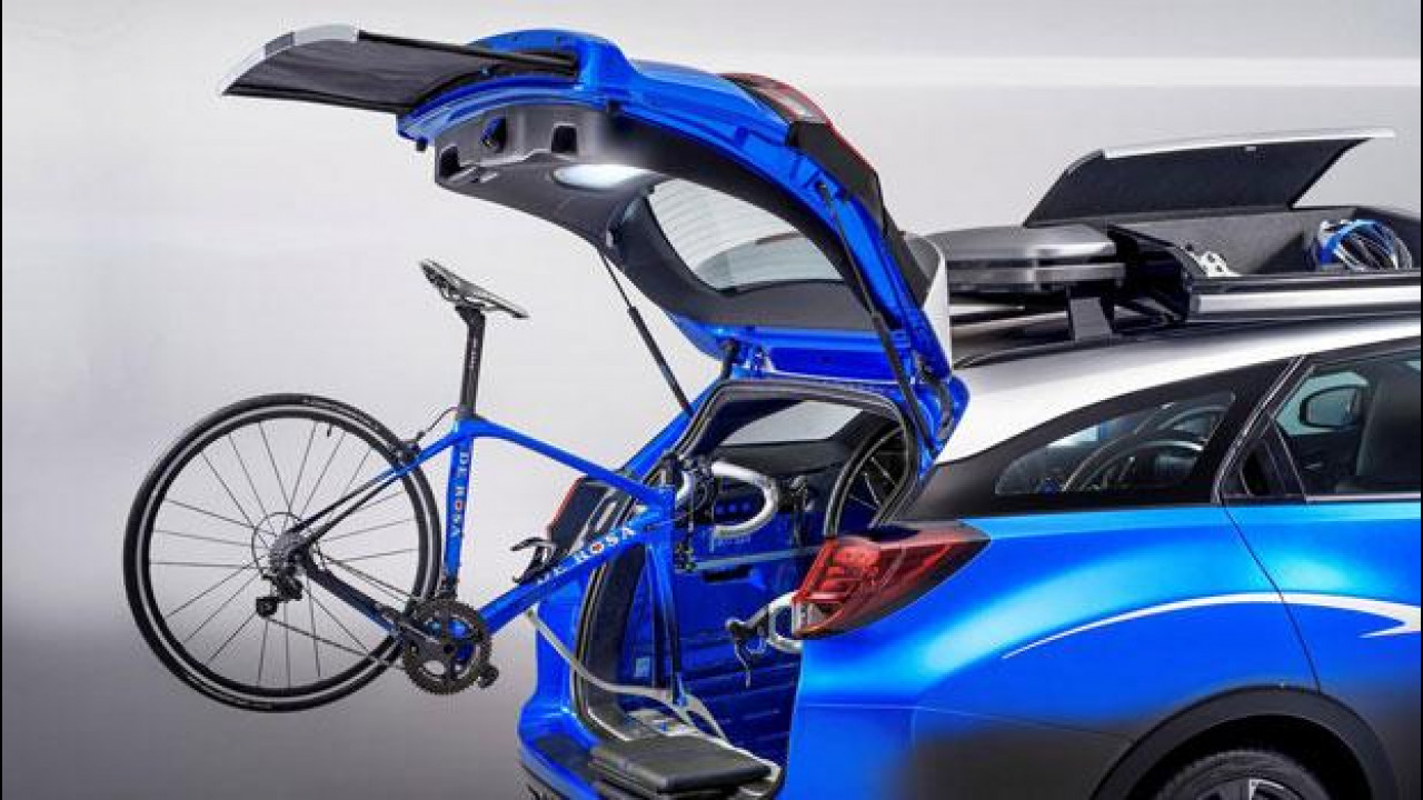 [Copertina] - Honda Civic Tourer Active Life Concept, per chi ama pedalare