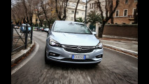 "Opel Astra: l'auto a cui basta ""chiedere"" [VIDEO]"