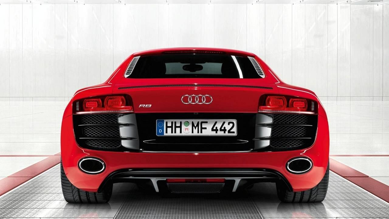 2010 World Performance Car: Audi R8 V10