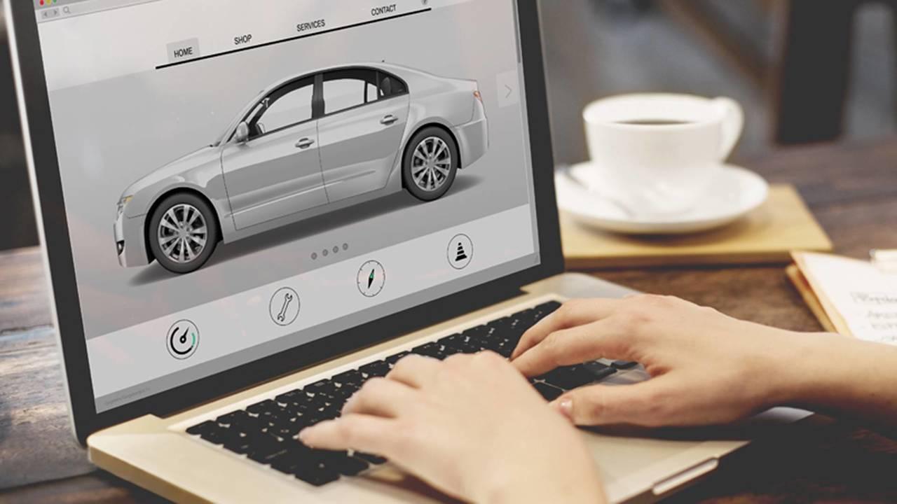 Scelta auto su internet