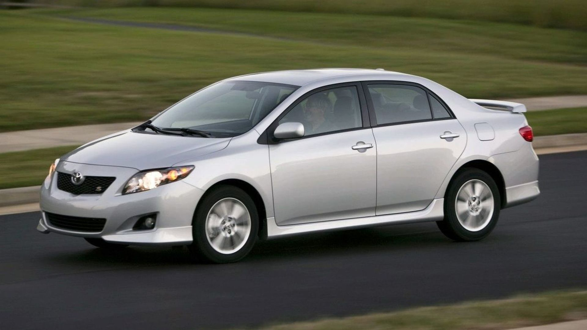 Toyota Distributor Recalls 7 750 Vehicles For Short Circuit In Seat Heater
