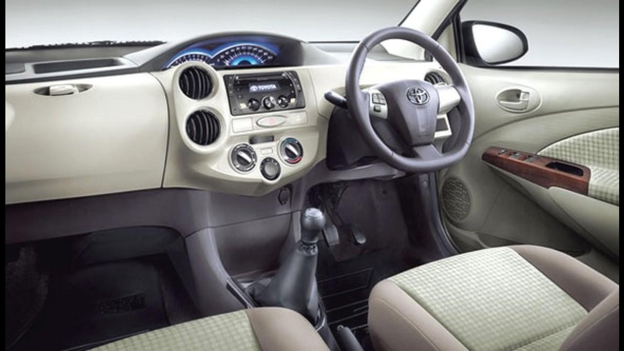 Toyota Etios 2013 ganha retoque visual na Índia