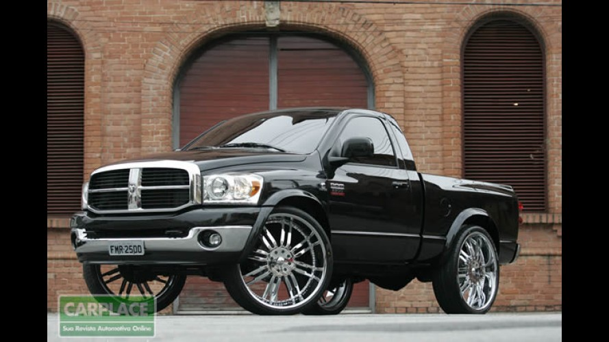 Custom: Dodge Ram customizada tem pneus Scorpion Zero de 30 polegadas