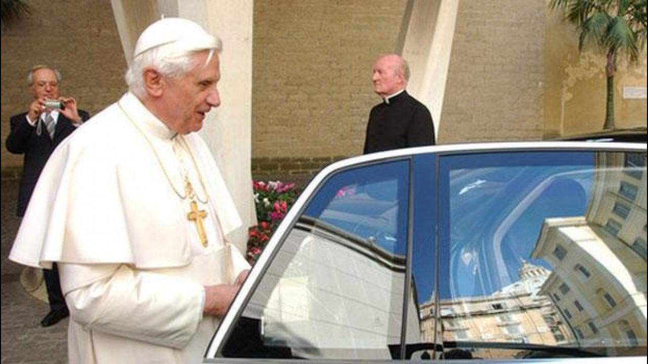 [Copertina] - Papa Benedetto XVI si è dimesso, ecco le auto che lascia in eredità