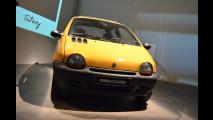 Renault Twingo, la festa dei 20 anni