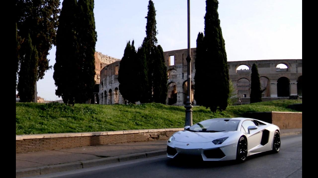 La Lamborghini Aventador sulla strade di Roma