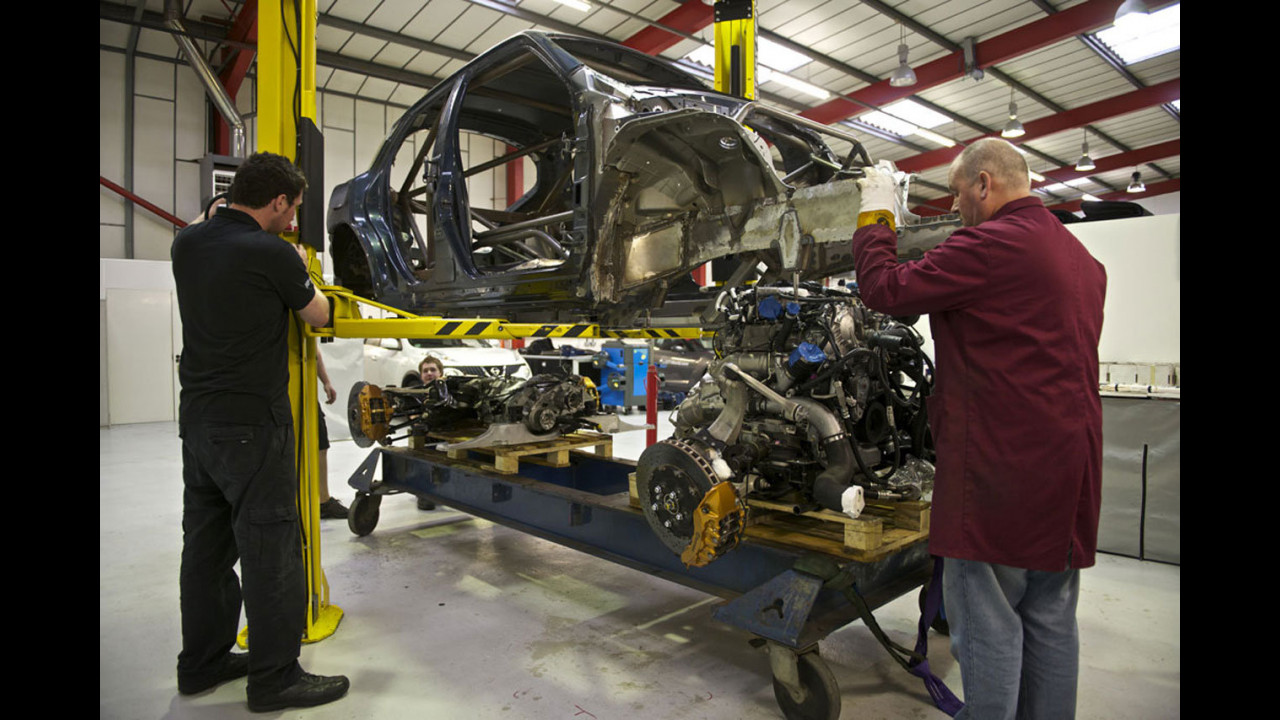 Nissan Juke-R. La realizzazione