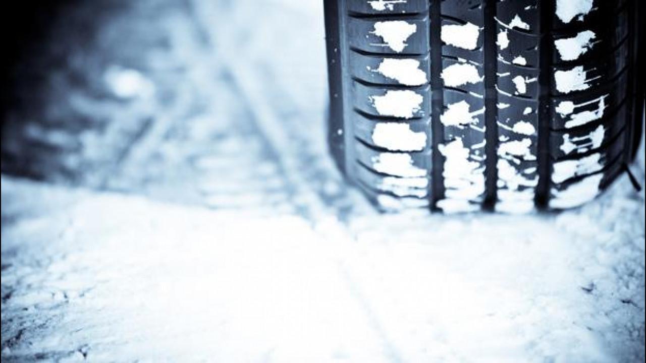 [Copertina] - Gomme invernali e catene da neve, le sanzioni