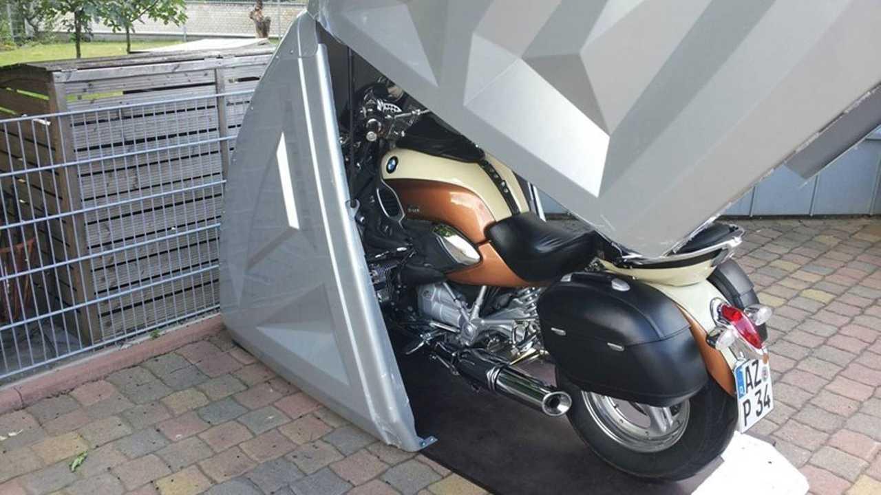 Meet Bikebox24 A Versatile Semi Portable Bike Garage