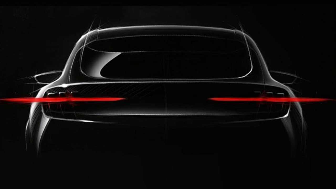 Mustang tabanlı Ford EV teaser'ı