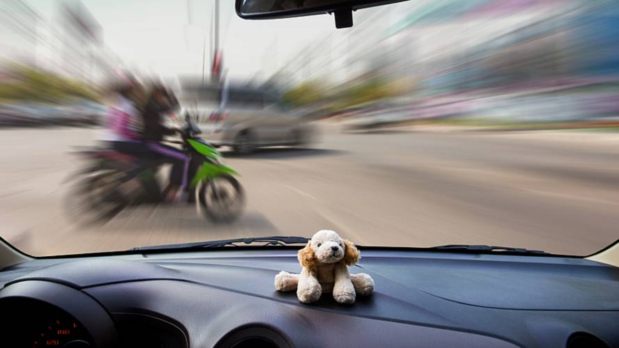 Young drivers less aware of bikers on the road