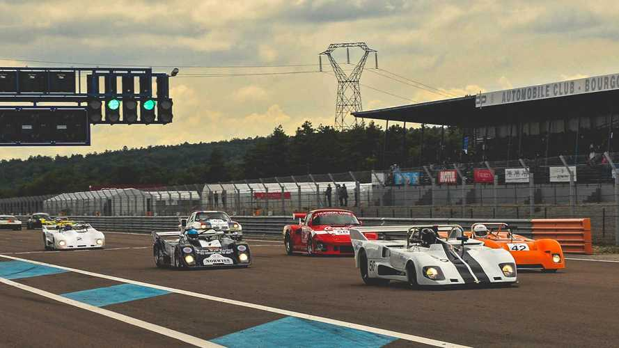 Endurance racing draws crowds at Grand Prix de l'Age d'Or