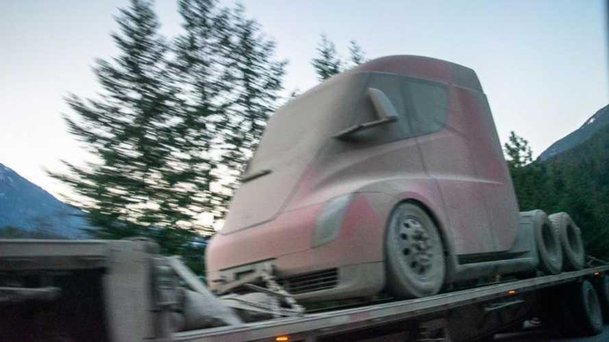 Tesla Semi, il camion elettrico di Elon Musk avvistato in Alaska