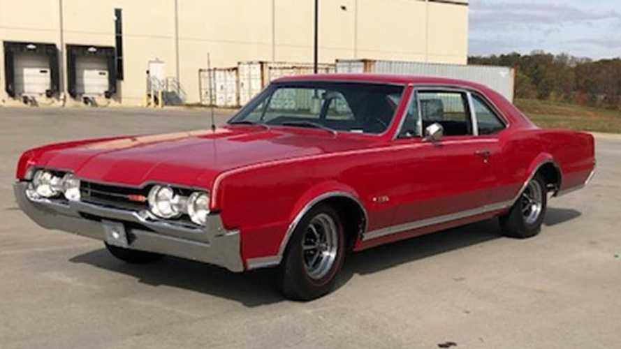 Go Fast In This Restored 1967 Oldsmobile 442