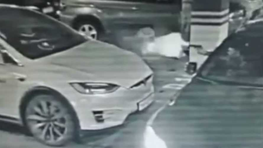 UPDATE: Watch Tesla Model X Get Shot Point Blank In Parking Lot Drive By
