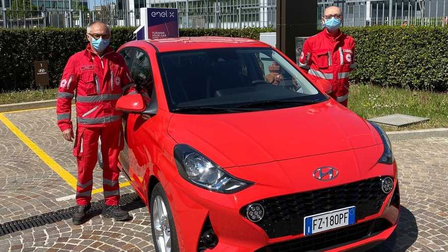 Coronavirus, le Hyundai i10 e Kona assistono la Croce Rossa Italiana