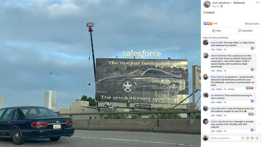 ¡Esta valla publicitaria del Toyota Supra lleva 27 años sin cambiarse!