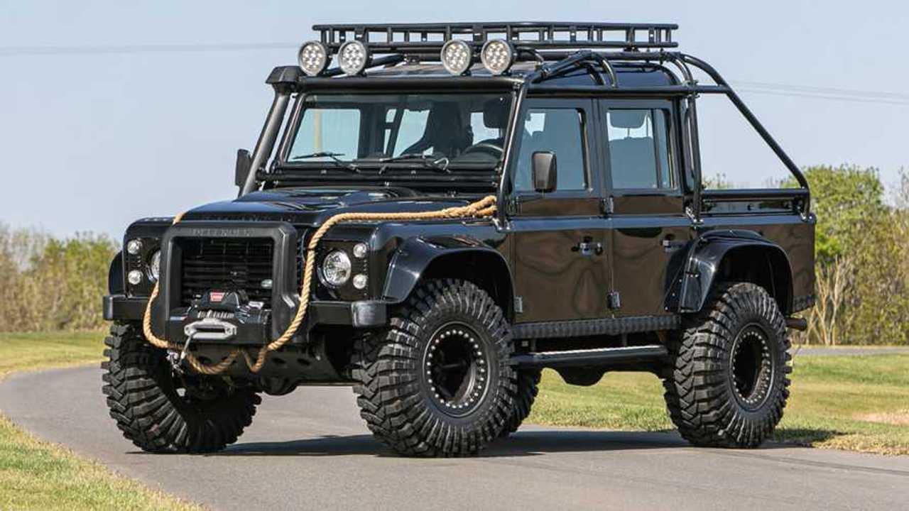 Land Rover Defender 110 SVX 'Spectre' JB24