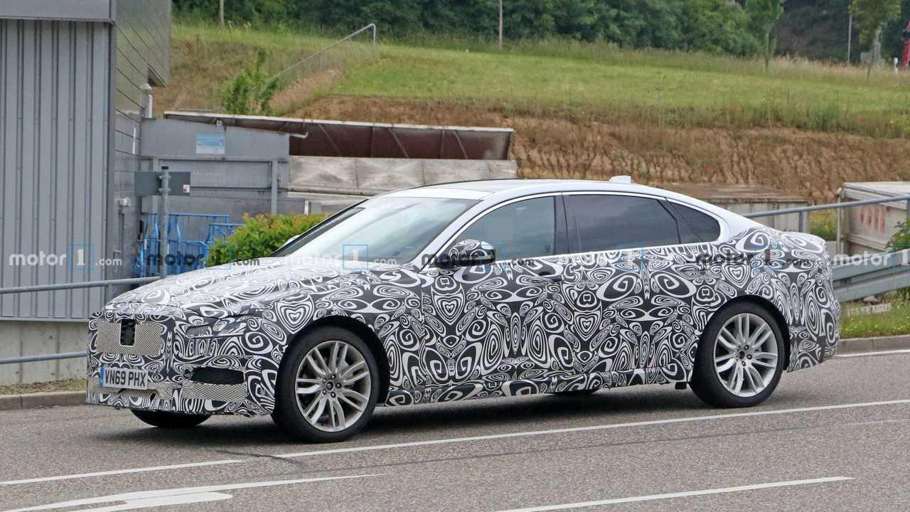 2021 Jaguar XF Casus Fotoğraflar