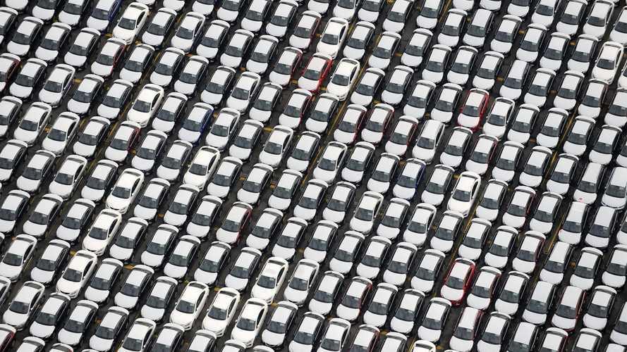 Incentivi ed ecobonus allargato: il mondo dell'auto scrive a Conte