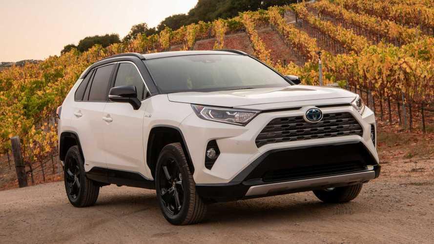 2019 Toyota RAV4 Hybrid: не только для «зелёных»