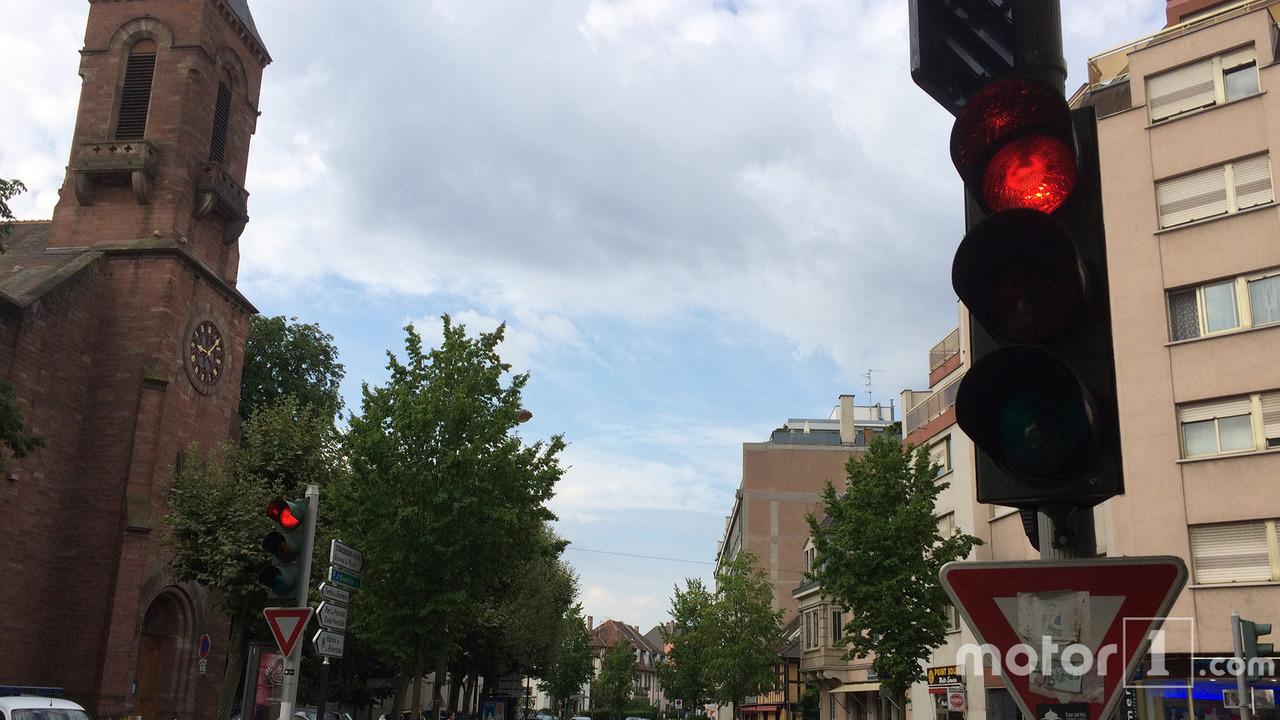 Feu rouge en ville