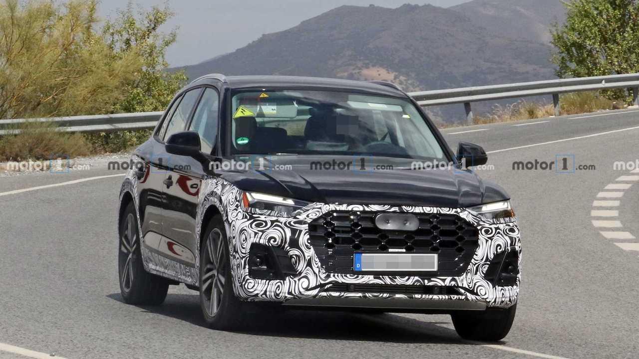 Audi Q5, le foto spia del restyling