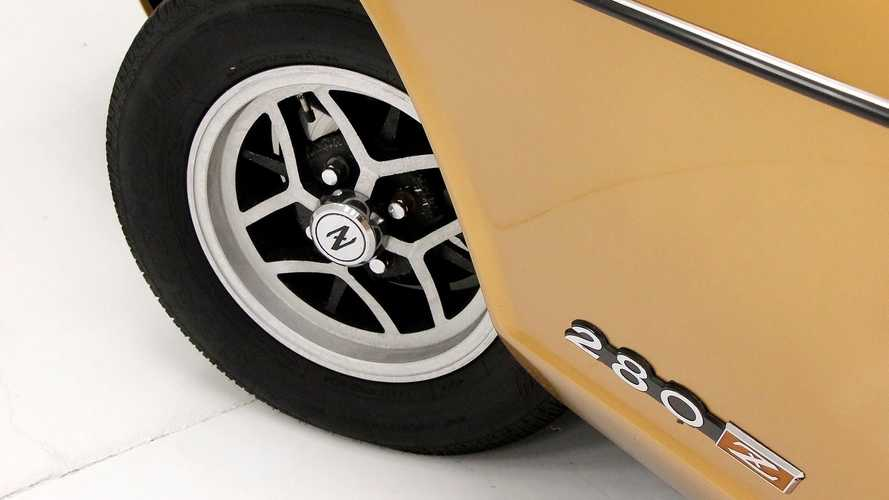 Go For Gold With This 1975 Datsun 280Z