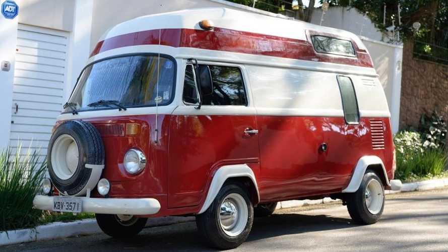 Esta Volkswagen Kombi clásica podría acompañarte en tus aventuras