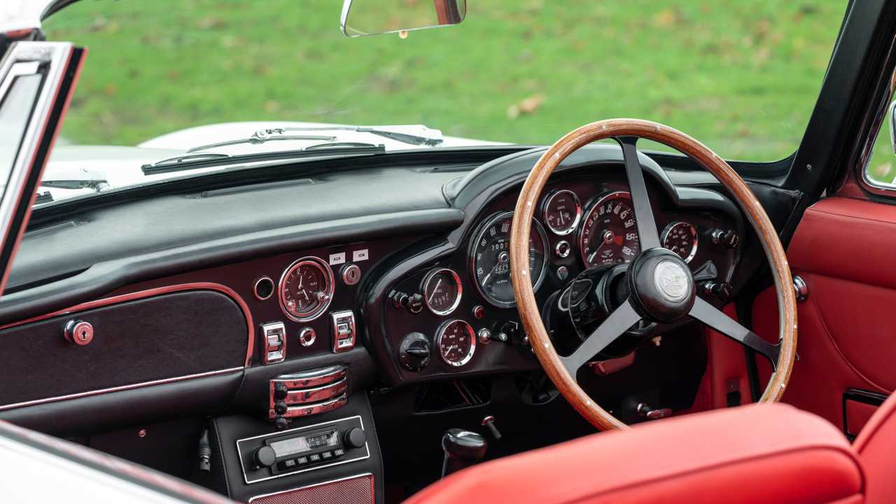 Aston Martin DB6 Electric Steering Wheel