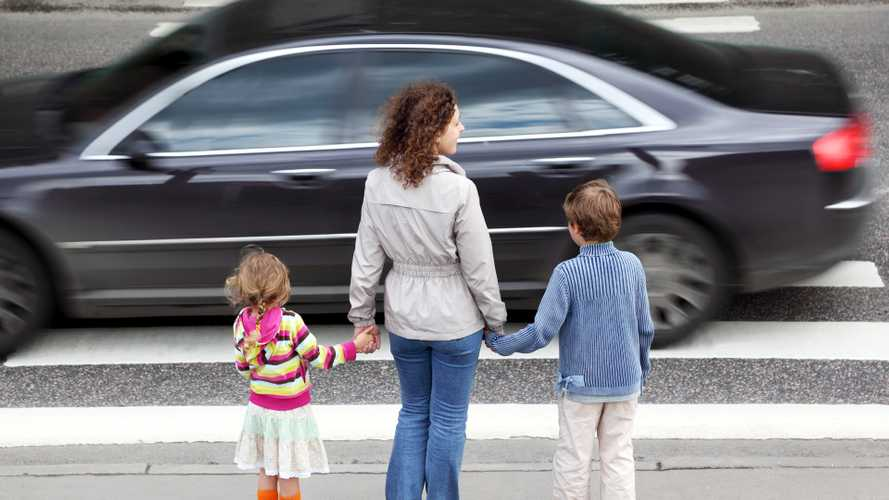Study Concludes Expensive Cars Yield Less To Pedestrians