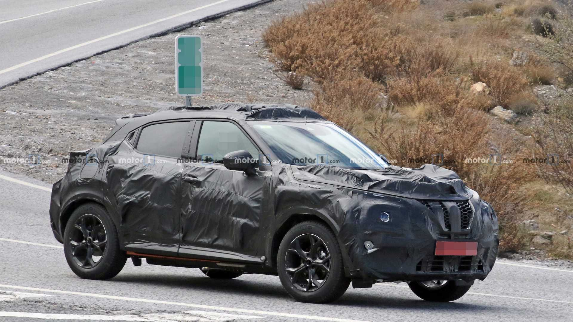 2020 Nissan Juke Spied With Camo Just As Funky As The Styling