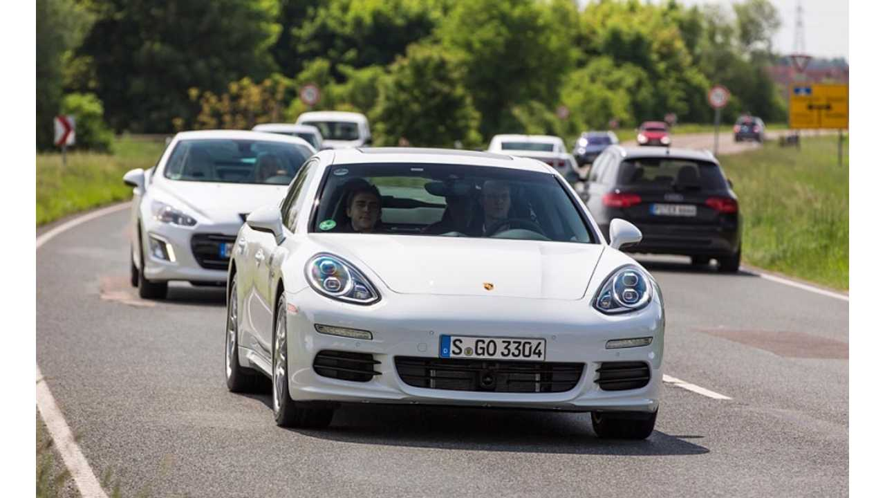 Porsche Predicts That Lifecycle Sales of the Panamera Plug-In Hybrid Will Hit 10,000 Units
