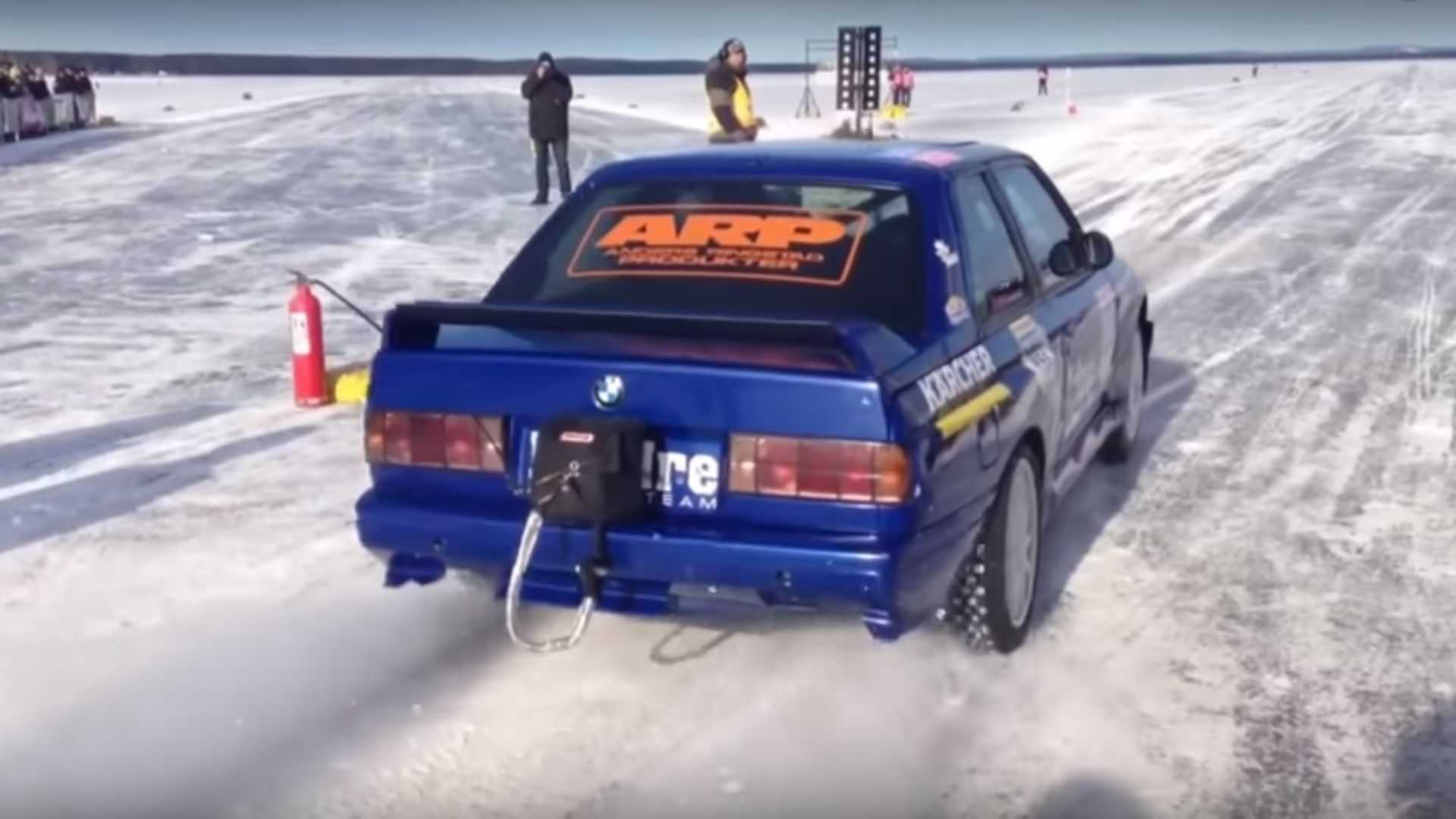 Bmw M3 E30 >> Bmw M3 E30 Becomes Fastest Car On Ice After Hitting 215 5 Mph