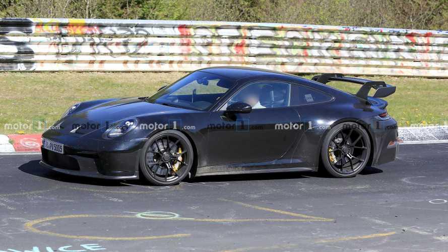 Porsche 911 GT3 RS, le prime foto spia durante i test su strada