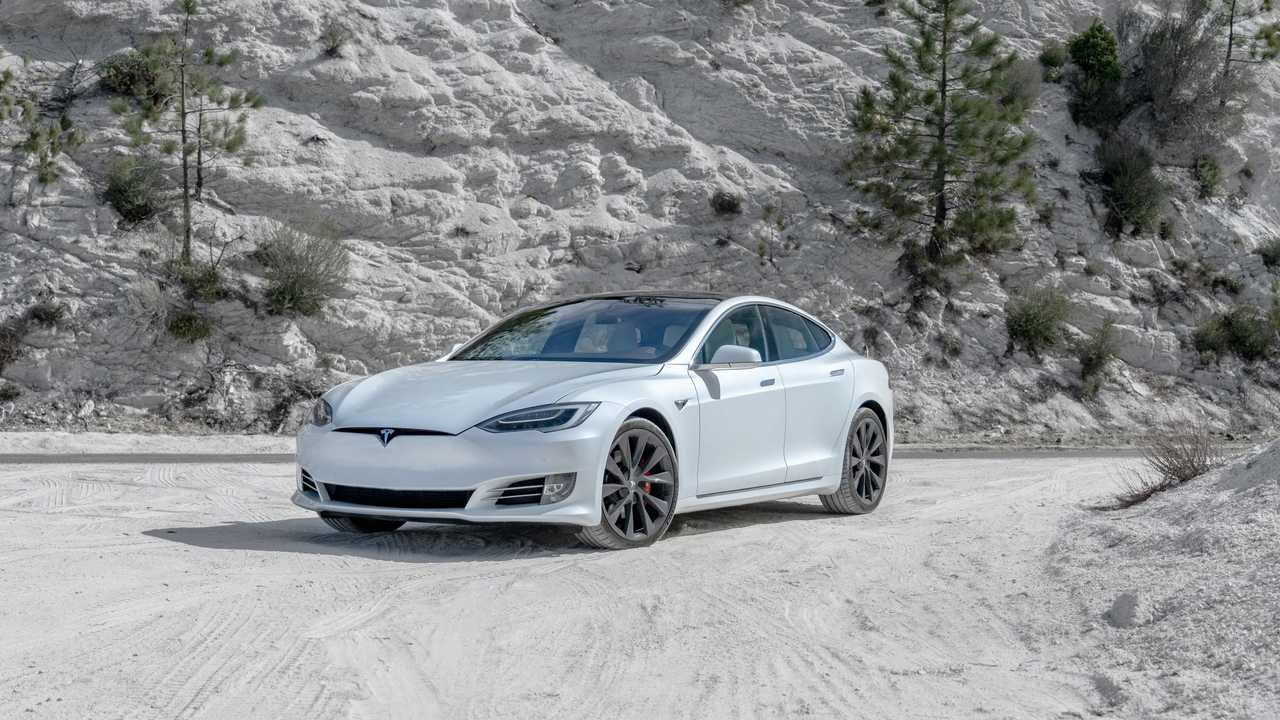 Tesla Model S Performance S 19'' - 2.4 secondi